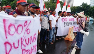 Foto Pendukung Semen Rembang Komitmen Tetap Kritis