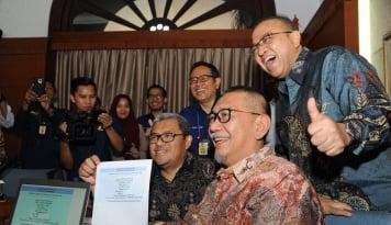 Foto Gubernur Aher Harapkan Warga Jabar Segera Bayar Pajak