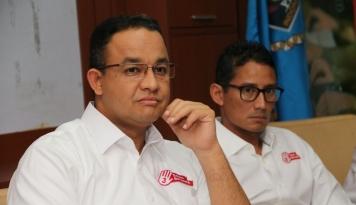 Foto Anies Nitip Pesan ke FPI, Ini Isinya