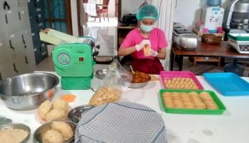 Foto Donat Donita, Dari Kota Medan Hingga Papua