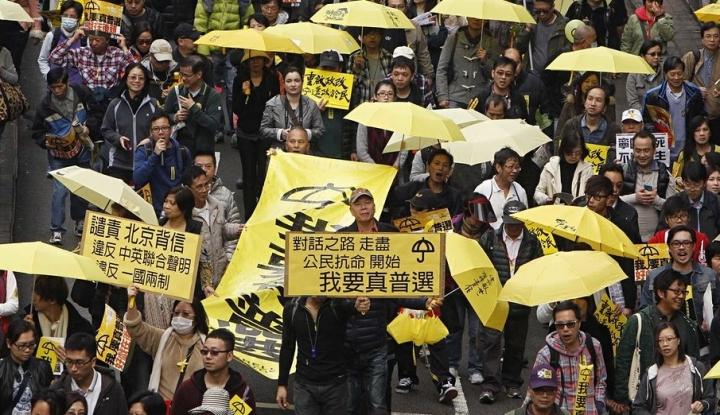 Ribuan Guru di Hong Kong Protes Demi Demokrasi - Warta Ekonomi