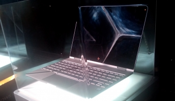 Foto HP Luncurkan Notebook Convertible HP Spectre x360, Gabungkan Seni dan Budaya