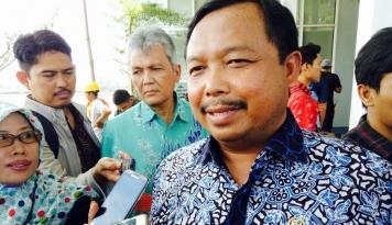 Foto Melenceng dari Kebijakan Partai, Demokrat Bakal Pecat Walikota Cirebon yang Dukung Jokowi?