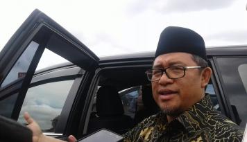 Foto Aher Minta PNS Tak Malas-Malasan di Bulan Ramadhan