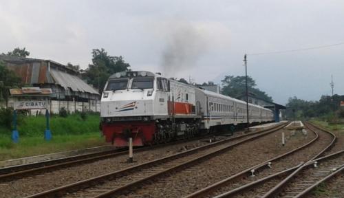 Foto KA Bromo Tabrak Pick Up, Syukur Tak Ada Korban Jiwa..