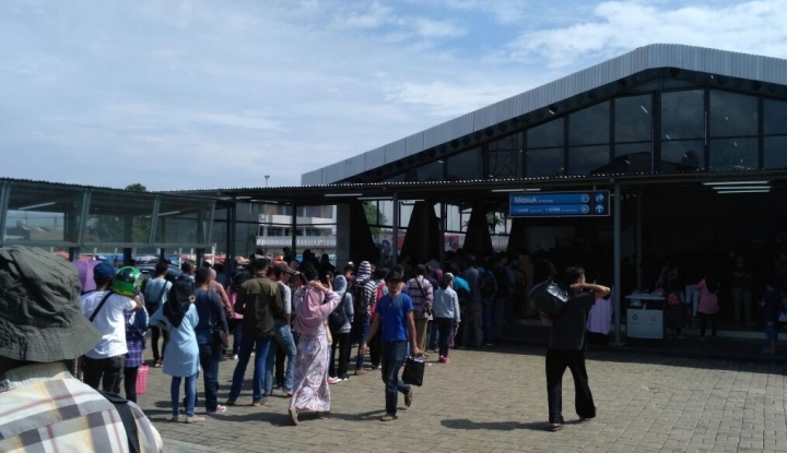 Foto Berita Rini Janji Bereskan Stasiun Bogor