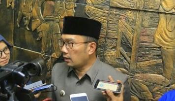 Foto Ridwan Kamil Minta Warga Bandung Waspadai Fenomena Hujan Es