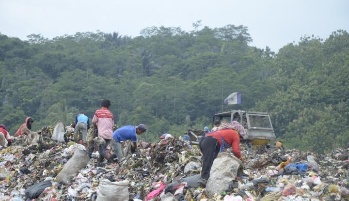 Foto Berita Banyak Sampah Tanda Masyarakat Sejahtera, Kata Wali Kota Aceh