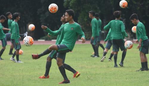 Foto Pelatih Suriah Puji Permainan Andik Vermansyah