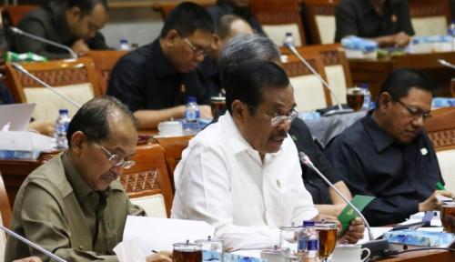 Foto HM Prasetyo: Kasus Pelanggaran HAM Terganjal Barang Bukti