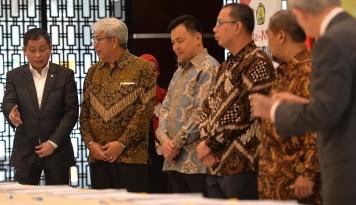 Foto Jonan Laporkan Perusahaan Minerba Tolak Amandemen kepada Presiden