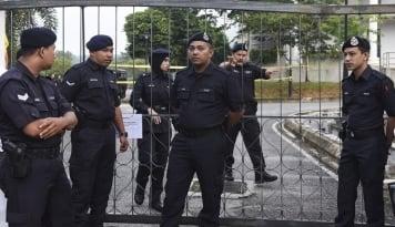 Foto Aparat Malaysia Jaga Ketat Sidang Siti Aisyah