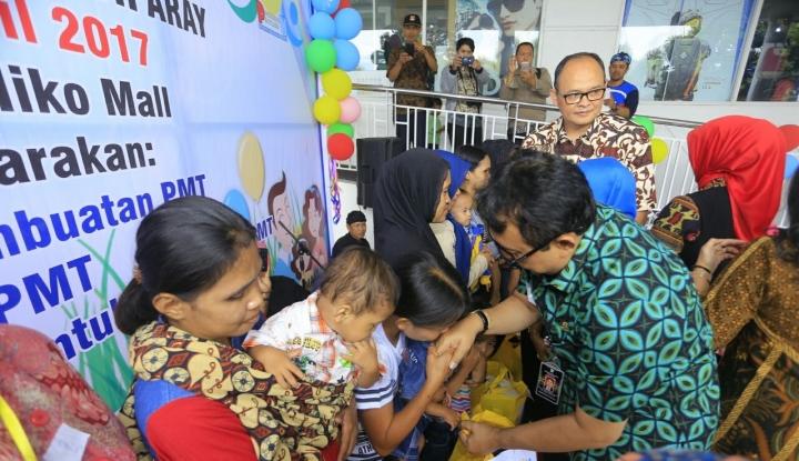 Foto Berita Polres Batang Gelar Aksi Peduli Bayi Cacat Ganda