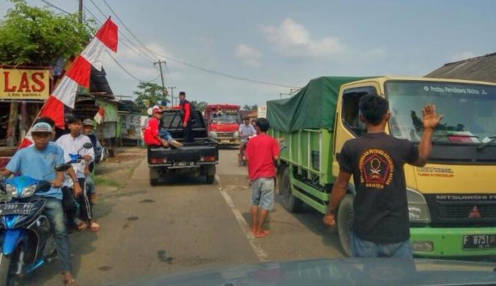 Foto Pengamat : Truk Yang Kelebihan Muatan Harus Ditindak