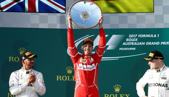 Foto Berita Hamilton Rajai Sirkuit Silverstone