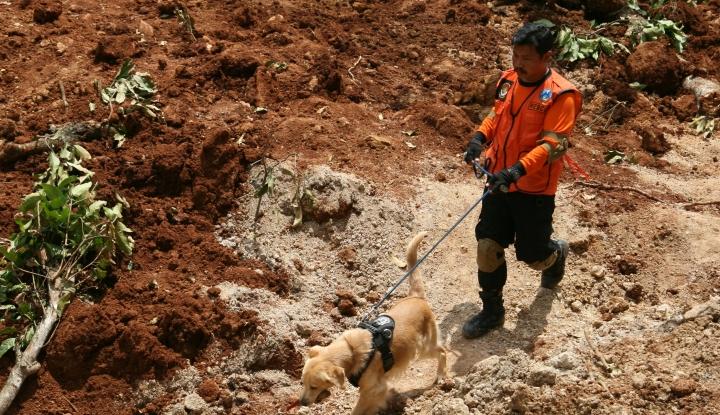 Foto Berita 26 Korban Longsor Sukabumi Masih Belum Ditemukan