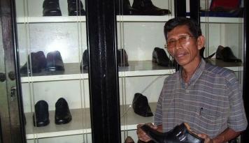 Foto Produk Sepatu Dalmi, Dari Kantor Pemerintah Hingga Swasta di Sumut