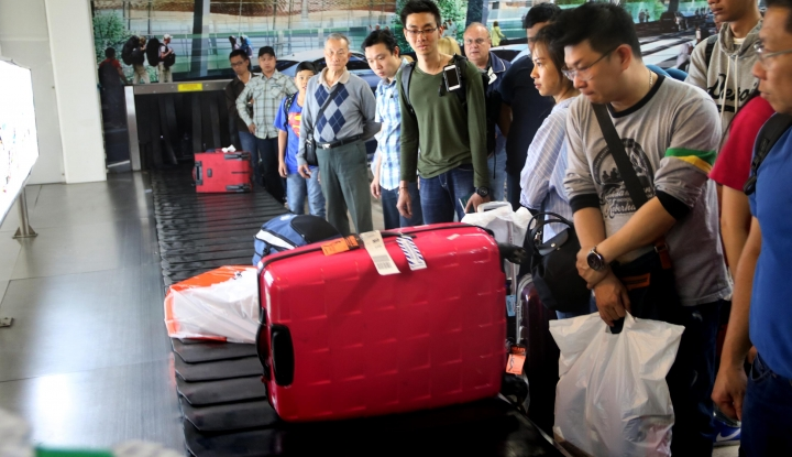 Arus Penumpang di Bandara Depati Amir Lancar - Warta Ekonomi