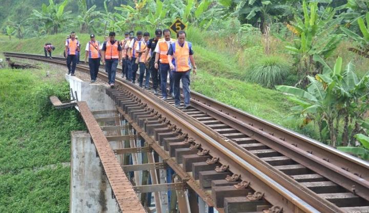 Foto Berita KAI: Jalur Selatan Jawa Kembali Normal