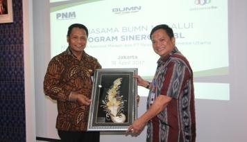 Foto PNM-IndonesiaRE Teken Mou Program Kemitraan dan Program Bina Lingkungan