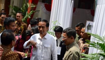 Foto Jokowi: Bertahun-tahun Tidak Pernah Fokus Bahas Perencanaan Keuangan