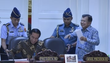 Foto Jokowi Panggil Menteri Kabinet Bahas Visi Indonesia