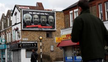 Foto Maraknya Belanja Online dan Punahnya Toko-toko Konvensional di Inggris