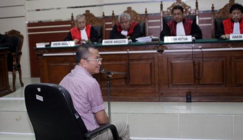 Foto Tok, Dahlan Divonis Dua Tahun Penjara