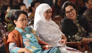 Foto Ibu Menteri ini Tak Suka Pamer Barang Asing, Tetap Cinta Produk Indonesia
