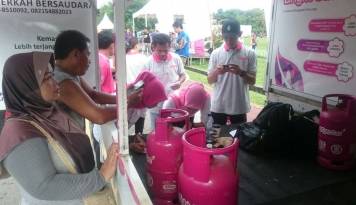 Foto Pertamina Gelar Promo Bright Gas Spesial Hari Kartini di Balikpapan