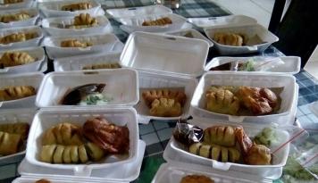 Foto Nikmatnya Pempek Krispi Ala Ratna Gultom