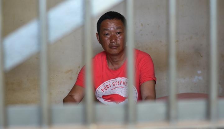 Warga Negara China Petakilan Tantang Petugas Imigrasi dengan Senjata