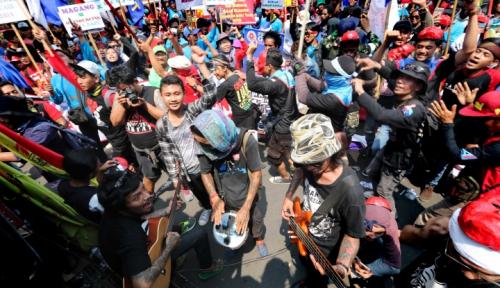 Foto Duh Sebentar Lagi Lebaran! Ribuan Buruh Mengadu Tak Dapat THR