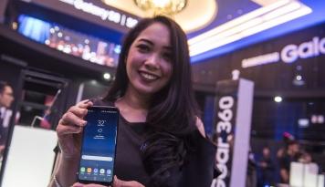 Foto Samsung Sedang Update Android Oreo?