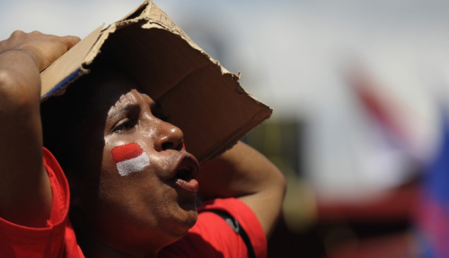 Foto Bapak Pembangunan Raja Ampat Tutup Usia