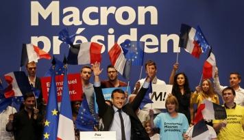 Foto Punya Presiden Baru, Ini Dia Harapan Warga Perancis