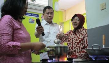 Foto Bagus Nggak Kerja Bu Risma di Surabaya? Tanda-Tanda Nih