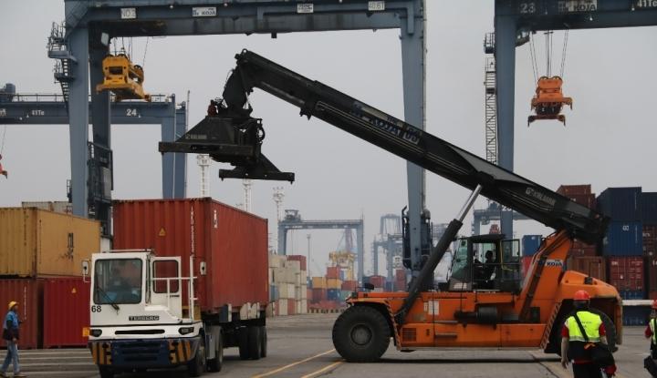 ekspor jatim merosot 9,26%, perhiasan sumbang us$385 juta