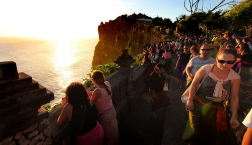 Foto Wisman Asal India ke Bali Melonjak 48,25 Persen