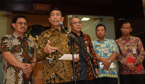 Foto HTI Dibubarkan, DPR Bakal Panggil Menko Polhukam