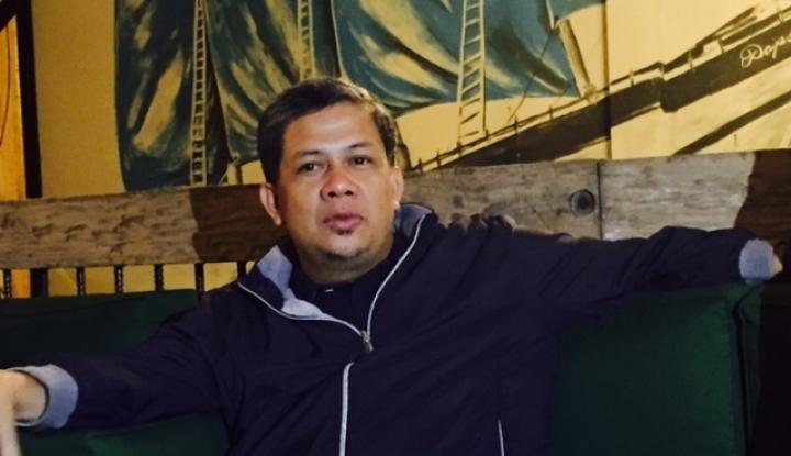 Foto Berita Fahri Hamzah Bincang Santai dengan Netizen