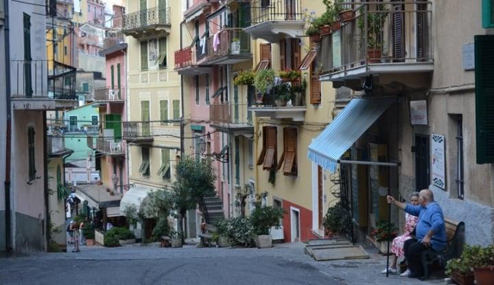 Foto Berita Ada Sebuah Lubang 'Raksasa' di Roma, 22 Warga Terpaksa Dievakuasi