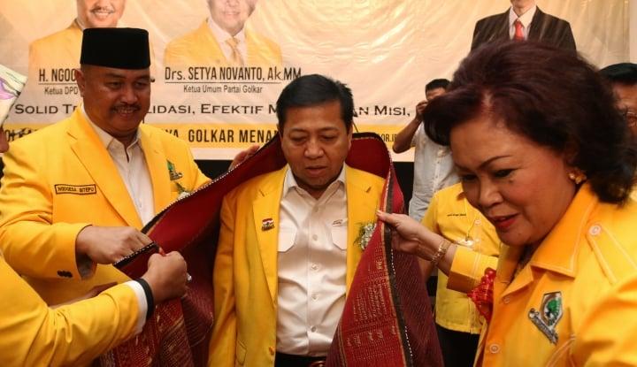 Foto Berita Usai Jadi Tersangka, Novanto Sehat?