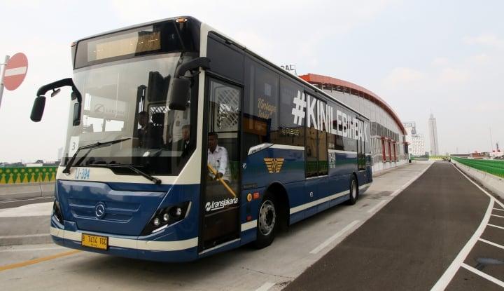 Foto Berita 60 Bus Siap Fasilitasi Aturan Ganjil-Genap Tol