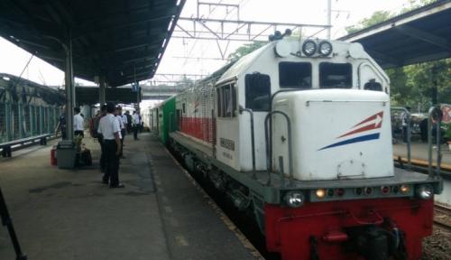Foto Liburan, Tiket Kereta Sempat Ludes 100 Persen
