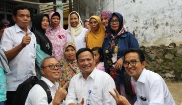 Foto Semester I 2017, Nasabah Mekaar PNM Tembus 1 Juta Lebih