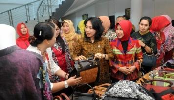 Foto Dekranas Dorong Perempuan Berkoperasi dan Menjadi Wirausaha