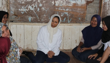 Foto Ke Sukabumi, Menteri Rini Bangga Lihat Nasabah PNM Makin Maju