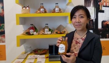 Foto Bisnis Jamu, Wanita Ini Berhasil Raup Omzet Ratusan Juta Rupiah