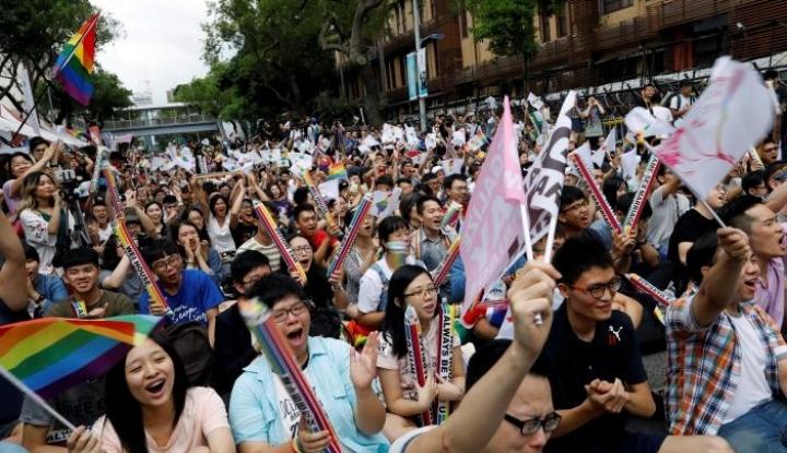 Foto Berita Pemilih di Taiwan Menolak Pernikahan Sesama Jenis